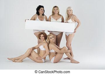 roupa interior, painél publicitário, branca, segurando, mulheres