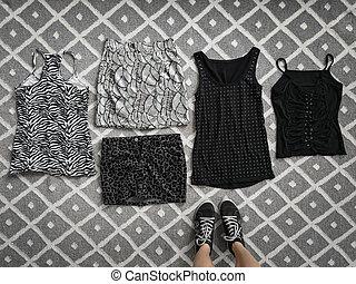 roupas, elegante, escolha, chão