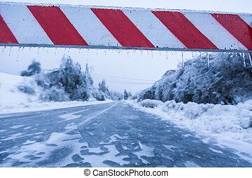 route a fermé, glace