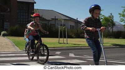 route, groupe, gosses, bicycles, équitation, croisement, ...