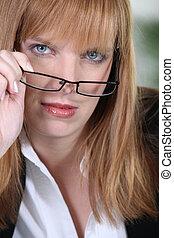 roux, femme, lunettes