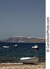 row boat beach santorini