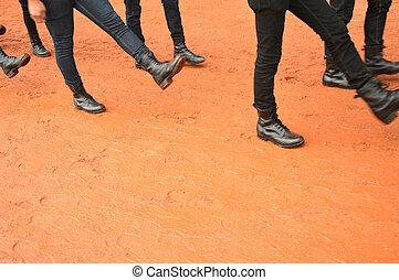 row feet