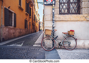 rowerowy kosz, ulica