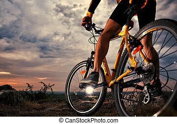 rowerzysta, górski rower, na wolnym powietrzu, jeżdżenie
