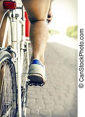 rowerzysta, zmarszczenie
