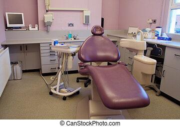 roxo, cirurgia dental