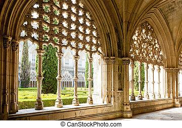 Royal cloister of Santa Maria da Vitoria Monastery, Batalha...