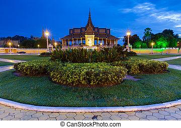 Royal Palace at night, Phnom Penh, Cambodia.