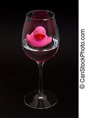 roze, badeend, in, een, wijnglas