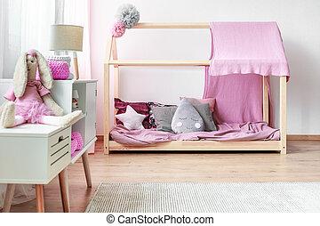 Roze kleur lege slaapkamer woning na slaapkamer nieuw