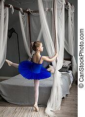 roze, schattig, weinig; niet zo(veel), schoentjes, dancing, room., ballerina, ballet, kostuum, pointe