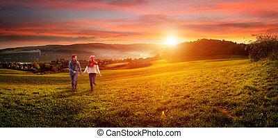 rozkochana para, dzierżawa wręcza, wyścigi, na, przedimek określony przed rzeczownikami, field., piękny, krajobraz