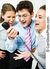 rozkrzyczany, telefon odbiorca