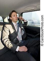 rozmowa telefoniczna, backseat, handlowy