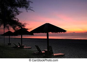rozwalanie się, krzesła, wschód słońca