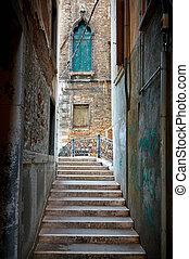 rua estreita, em, veneza