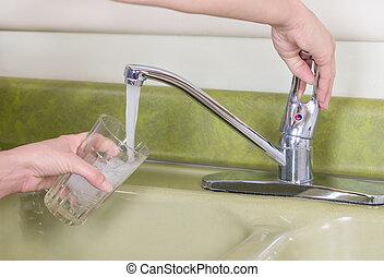 rubinetto dell'acqua, lavandino