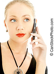 rubio, elegante, teléfono, celular, utilizar, retrato