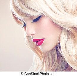 rubio, mujer, portrait., hermoso, rubio, niña, con, largo, pelo ondulado