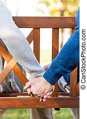 ruce, detail, dvojice, bezkoncovkový, majetek, sedění, love., dohromady, lavice, sad, starší, čas