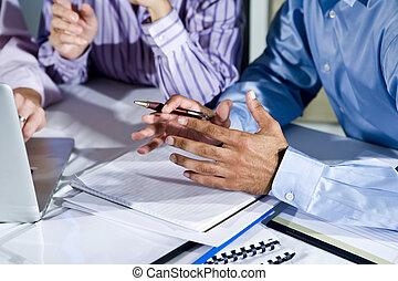 ruce, o, úřadovna dělník, pracovní oproti, počítač na klín