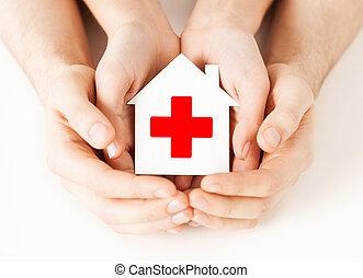 ruce, sevření doklady, ubytovat se, s, červený kříž
