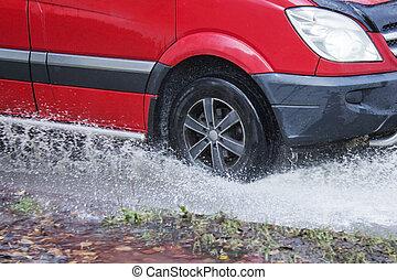 ruch, cielna, kałuża, deszcz polewają, kiść, wóz, koła