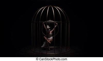 ruch, powolny, stage., gimnastyk, obręcz, ciemny, tło., ...