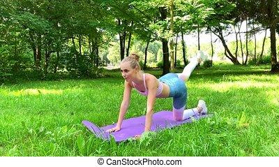 ruch, rozciąganie, fitness., park, kobieta