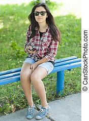 ruchoma głoska, dziewczyna, ulica, park.