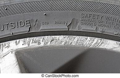 rueda de aleación, dañado, neumático