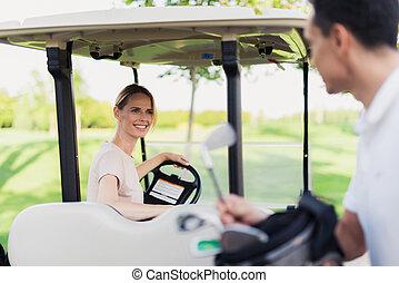rueda, mujer, palo de golf, coche, atrás, tira, se sienta,...