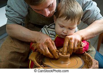 rueda, trabajo, ayuda, alfareros, cerámico, alumno, guiar, manos, él
