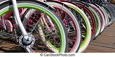 ruedas de bicicleta, fila, primer plano, multicolor