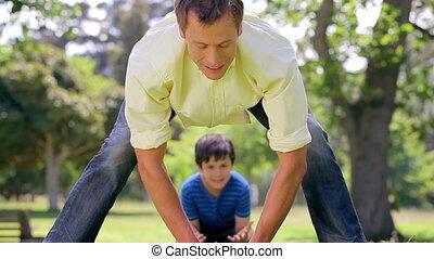 rugby, jego, uśmiechnięty człowiek, syn, interpretacja