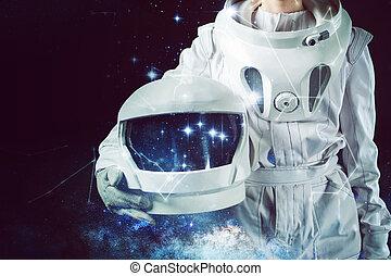 ruimtevaarder, in, een, spacesuit, vasthouden, helm, in,...