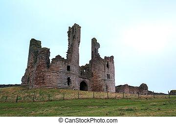 Dunstanburgh castle - Ruin of Dunstanburgh castle...