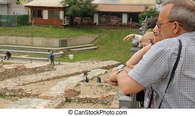 ruines, sofia, touristes, discuter