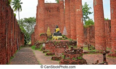 Ruins of a large Buddhist temple. Ayuthaya, Thailand