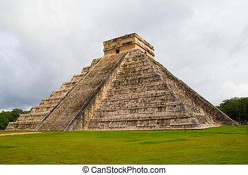 Chichen-Itza - Ruins of the Chichen-Itza, Yucatan, Mexico