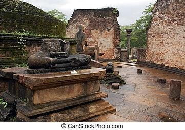 Ruins of Vatadage Temple in Polonnaruwa