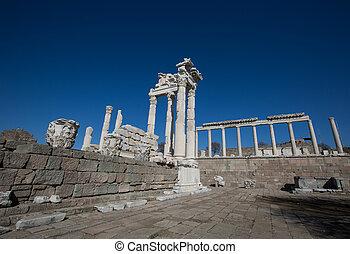 ruins Pergamon Akropolis