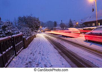 ruisseler, lumières, neigeux, soir, voiture