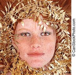 ruivo, mulher, com, freckles, cercar, dela, rosto