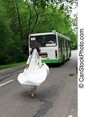 Run Away Bride to bus