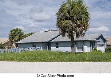 Rundown - Abandoned rundown residence in foreclosure with no...