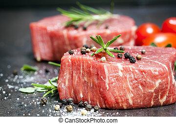 rundvlees, op, biefstukken, rauwe, kruiden, rozemarijn, lei