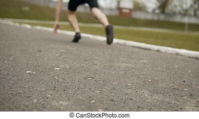 Runner Low Start