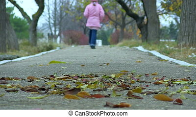running., peu, lent, motion., girl